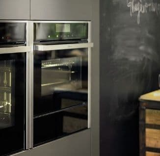 Compact Ovens / Microwaves / Warming Drawers